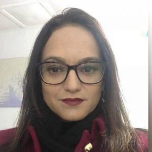 Flávia Soares Unneberg